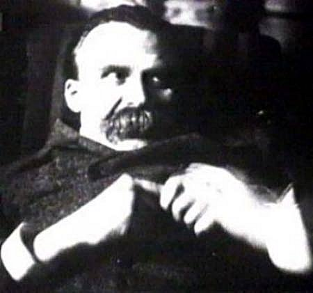 Nietzsche, en el Hospital Psiquiátrico: de las últimas imágenes antes de morir